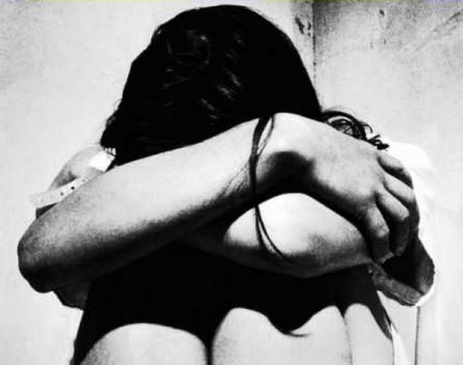 Varazze: violenza in famiglia, calci e pugni per la moglie e una coltellata al figlio, arrestato 55enne albanese