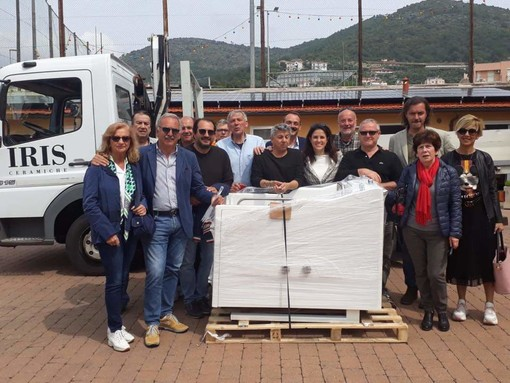 """Pulp in Valmaremola, consegnata la vasca da bagno per disabili acquistata grazie alle donazioni del """"RischiaPietra"""""""