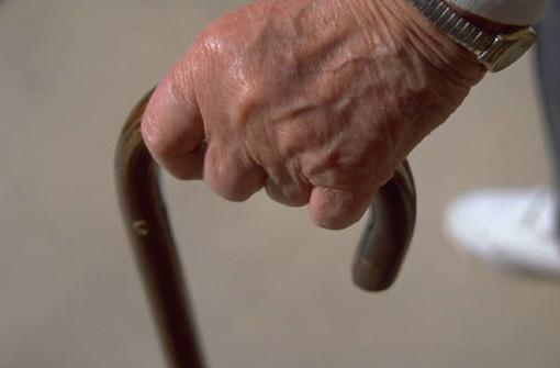 """Savona, """"Aperti per ferie"""", Auser aiuta gli anziani ad affrontare i disagi dell'estate."""