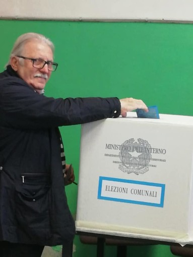 Piana Crixia, il candidato sindaco Guido Vendemiati ha votato