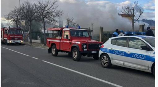 Aperto un fascicolo per omicidio colposo per l'incendio in viale Che Guevara ad Albenga