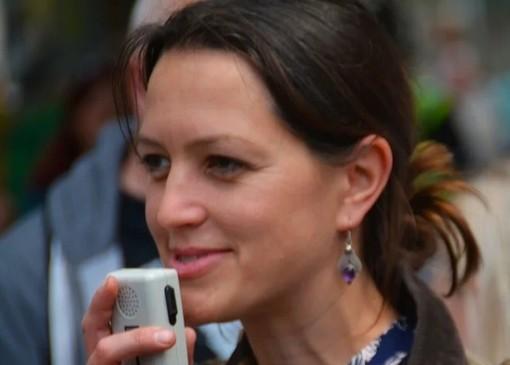 Intento di ricerca naturale e vocale con la voice research