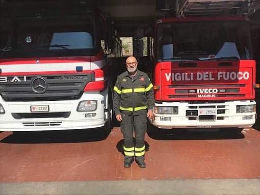 Albenga, va in pensione il capo reparto dei vigili del fuoco Antonio Crispino