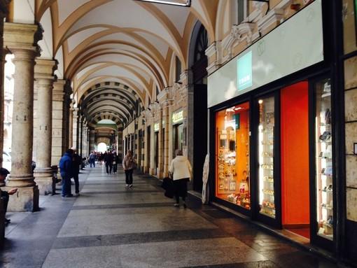 Apertura attività d'asporto di prodotti locali nel centro storico di Savona: il sindaco apre anche ai prodotti nazionali