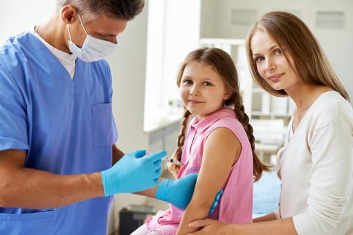 Sanità ligure: 2,5 milioni di euro per la gratuità del vaccino antinfluenzale in età pediatrica e in fascia 60-64 anni