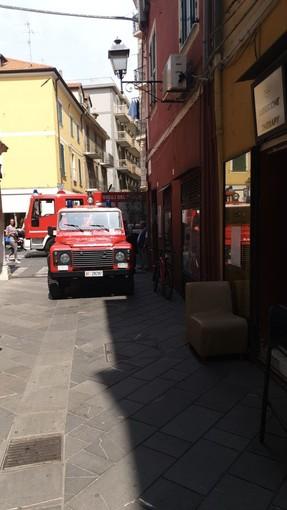 """Alassio: rimangono """"intrappolati"""" in casa e chiedono l'aiuto dei vigili del fuoco"""