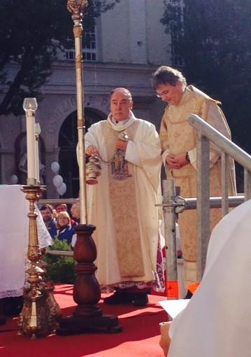 Termina il Giubileo straordinario della Misericordia con la chiusura della cattedrale