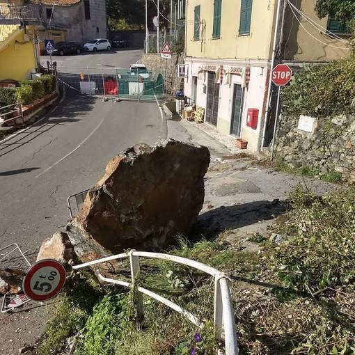 Varazze, ancora chiuso al traffico il tratto interessato dallo smottamento lungo la strada verso la frazione Casanova