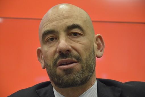 """Matteo Bassetti lancia una frecciata al virologo Galli: """"Forse qualche mio collega lavora più per sè..."""""""